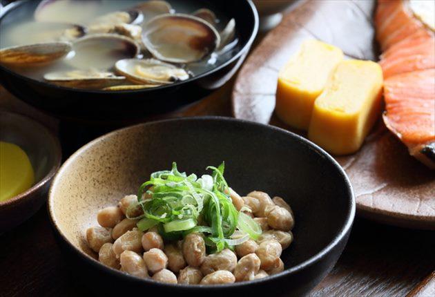納豆・アサリの味噌汁・卵焼き